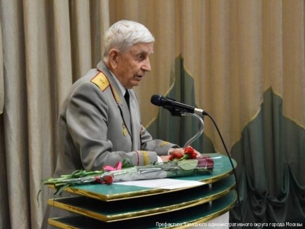 Ветеран, которого охрана оттесняла от Путина, оказался командиром штрафной роты