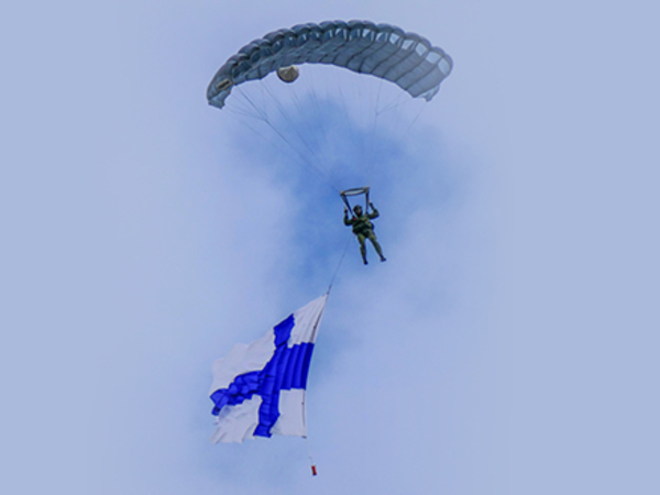 Выходные в Финляндии, 2-3 июня: ретропаровоз, хип-хоп и авиашоу