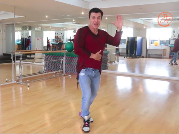 Звездный тренер Бето Перес показывает, как читать «Фонтанку» в танце