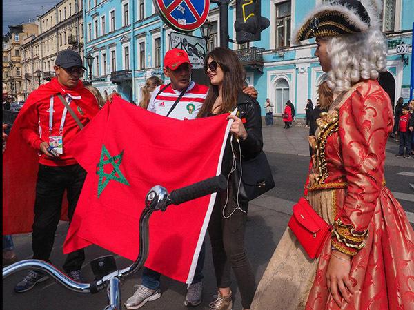 Иностранные болельщики про Петербург: Не совсем Мальдивы, но метро в Автово блестящее