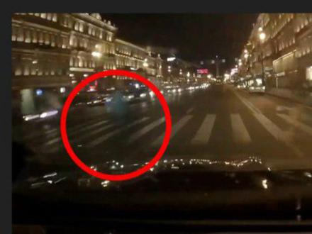 «Давай нормально дубаснем»: на Невском женщину насмерть сбил «гонщик»