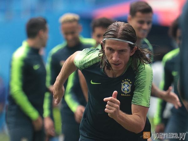 Неймар тренировался в Петербурге без ограничений и готов сыграть с Коста-Рикой