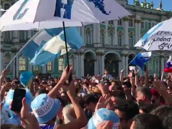 Центр Петербурга захватили болельщики Аргентины