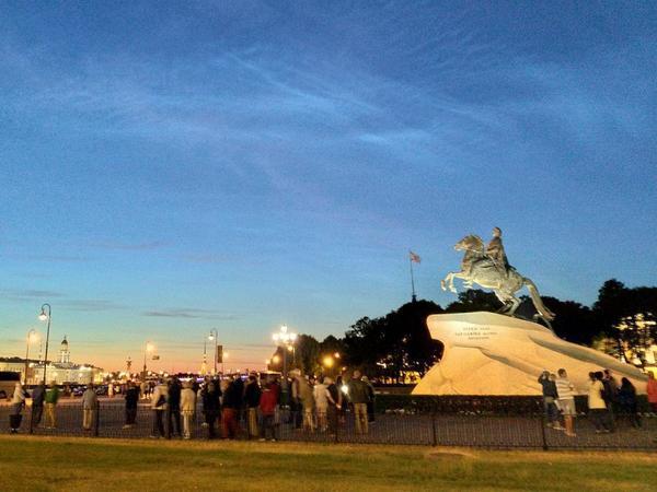 В Петербург пришли серебристые облака