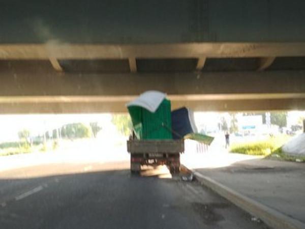 «Мост глупости» заковали в цепи