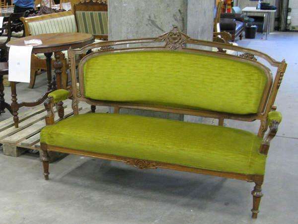 Финская таможня пустит с молотка раритетную мебель Российской империи