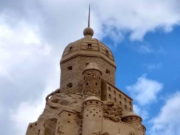 В Лаппеенранте построили огромный Выборгский замок из песка