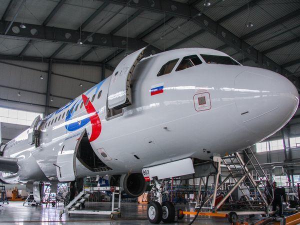 Воздушный флот «Уральских авиалиний» пополнился еще одним Airbus A321