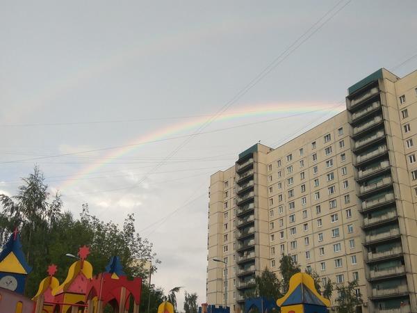 Над Петербургом взошла двойная радуга