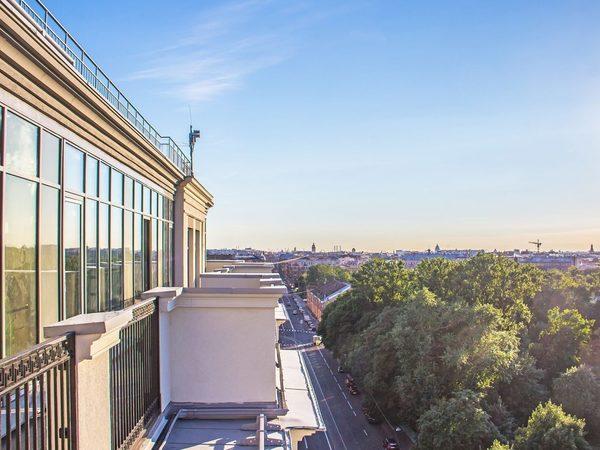 От террас до евро и хайфлетов: какие форматы квартир прижились в Петербурге