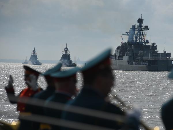 Два «Ивана» и «Орел». Чего мы не видели на военно-морском параде в Петербурге