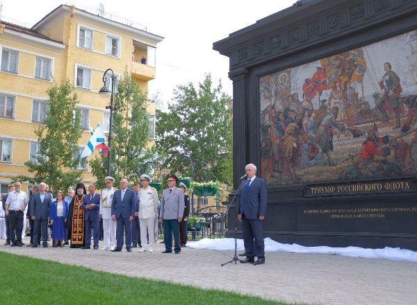 Губернатор Петербурга открыл памятный знак «Триумф Российского флота»