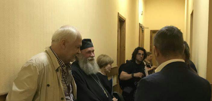 Перед заседанием в Куйбышевском суде Петерубрга