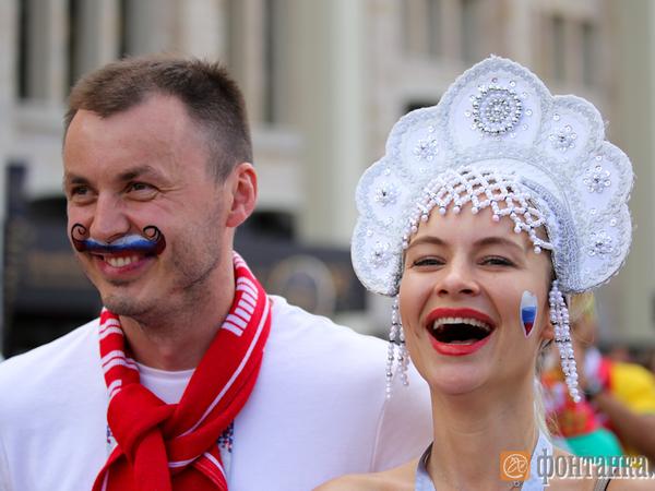 Укокошенные: Футбольные болельщики скупают традиционные русские головные уборы