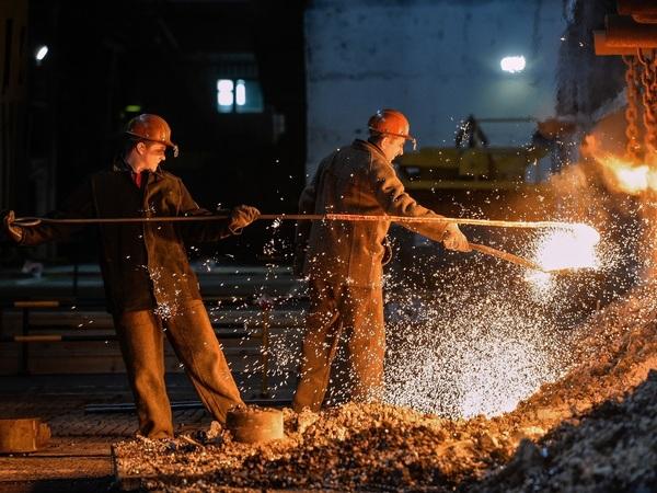 Кремль пришел за металлургами. Афон, Яхтенный мост, фан-зона - как это делают в Петербурге