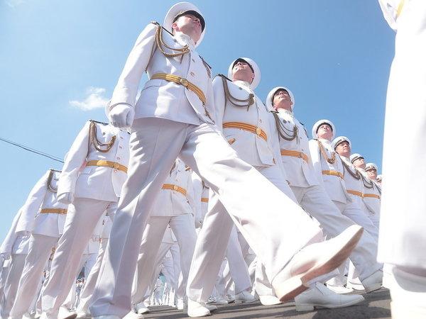 Население Кронштадта удвоят за счёт моряков. Идеи Сердюкова живут и побеждают