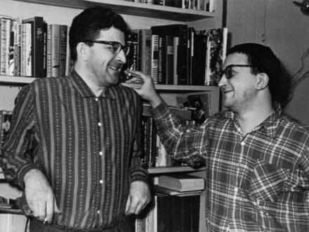 Писатели Аркадий и Борис Стругацкие//Фото из личного архива М.Н.Беркетовой