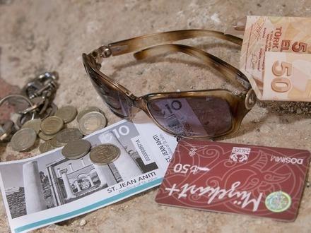 «Уголовное дело возбуждено преждевременно». Как в Петербурге прокуратура продлевает страдания обманутых туристов