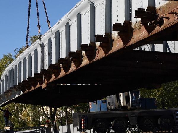 В Кронштадте демонтировали уникальный мост середины 19-го века