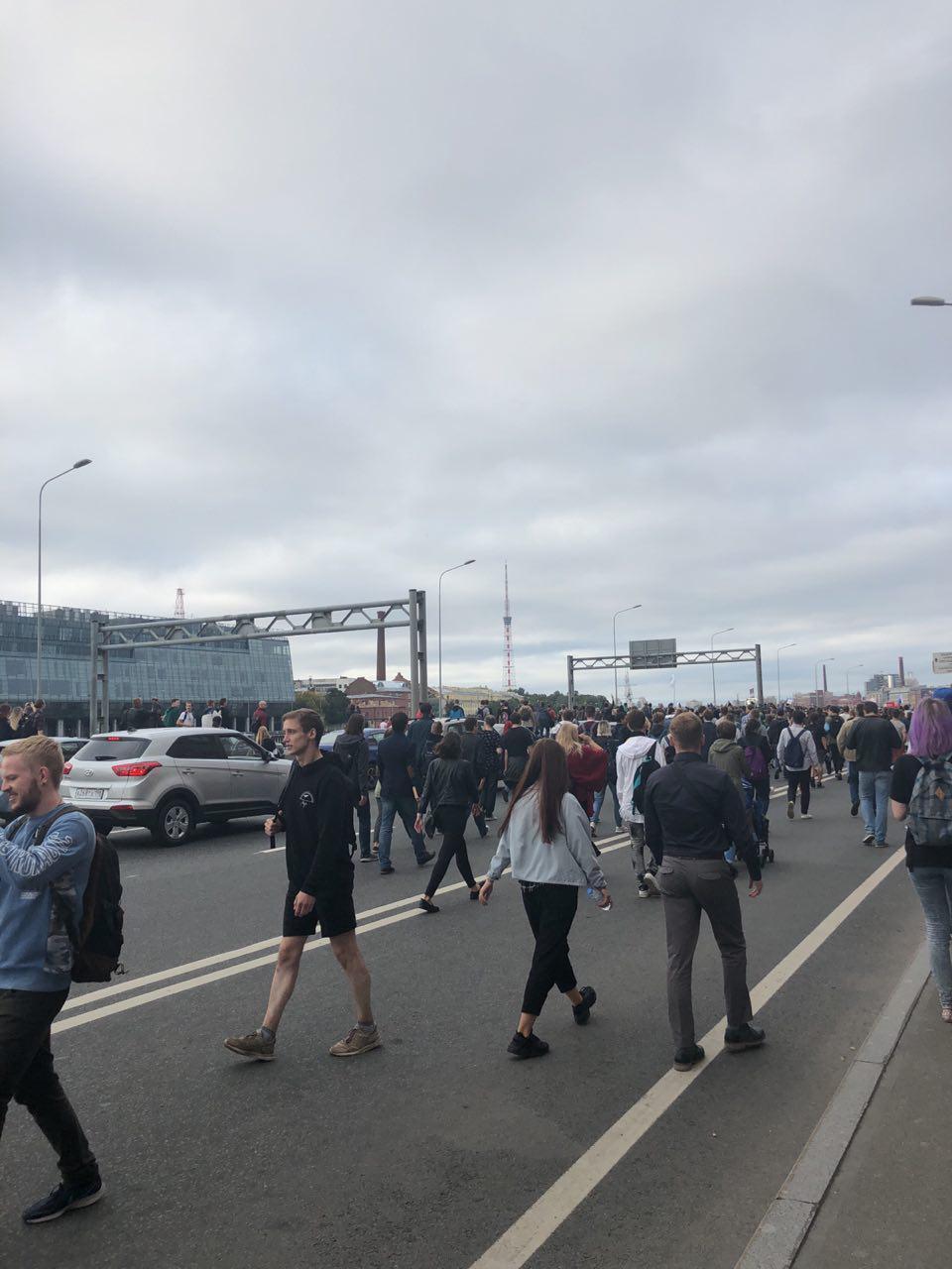 В Петербурге на акции против пенсионной реформы задержаны 500 человек (Иллюстрация 2 из 4) (Фото: Ксения Клочкова /