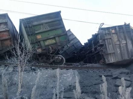 Под Иркутском перекрыт Транссиб: там опрокинулся поезд с углем