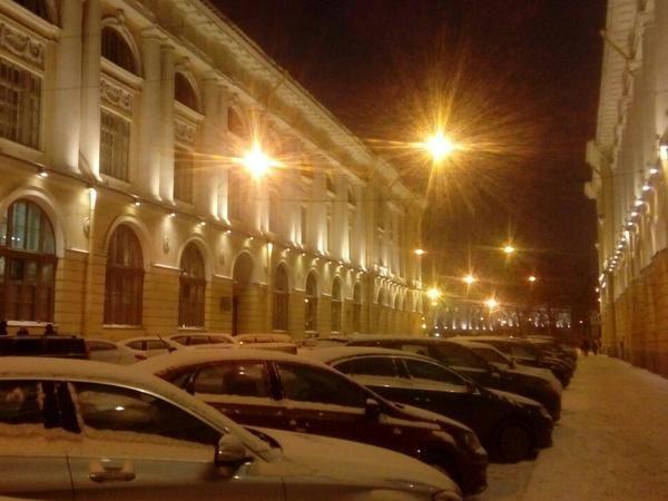 «Снег ни о чём, чего тупите?» В Петербурге 9 баллов, уже традиционные