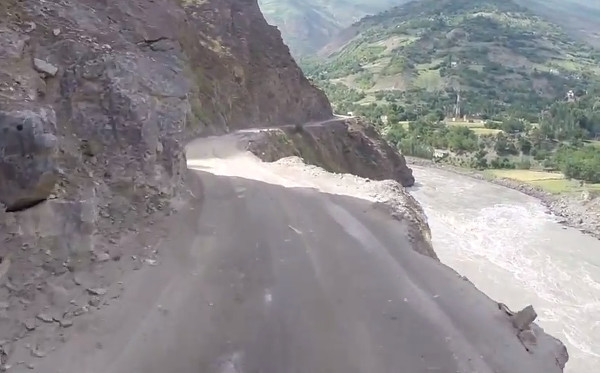 Река Пяндж. Кадр из видео в YouTube