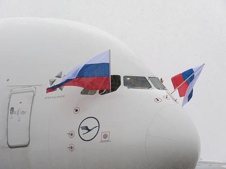 Airbus A380-800 рег. D-AIMH авиакомпании Lufthansa в аэропорту Внуково 24 марта 2012 года // Автор: Владислав Озерецковский / ruspotting.net