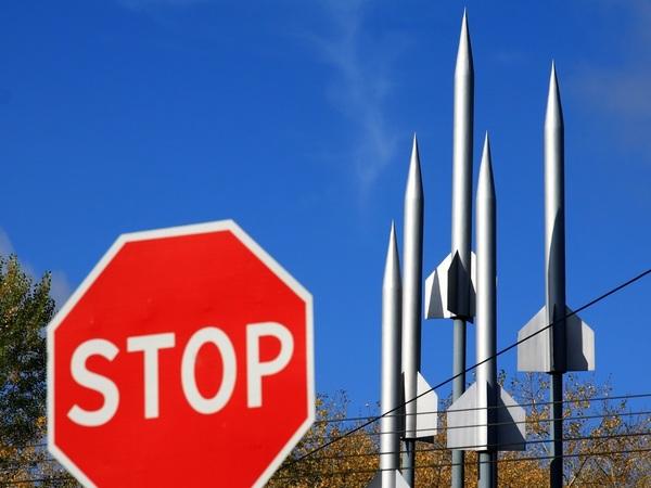 «Подрыв безопасности всех стран на планете». Переводчик Михаила Горбачева про остановку договора о ядерном разоружении