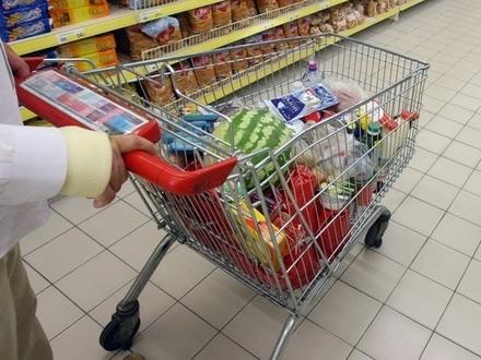 Продуктами закупились по-крупному. Продовольственные ретейлеры отчитались о потребительском буме